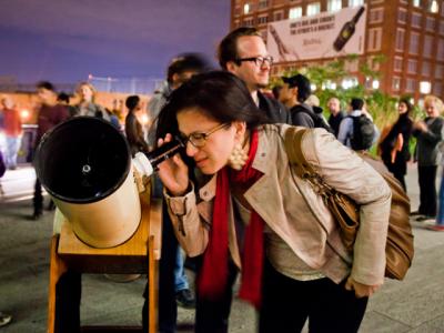 Stargazing on the High Line – צפייה בכוכבים על ההיי ליין